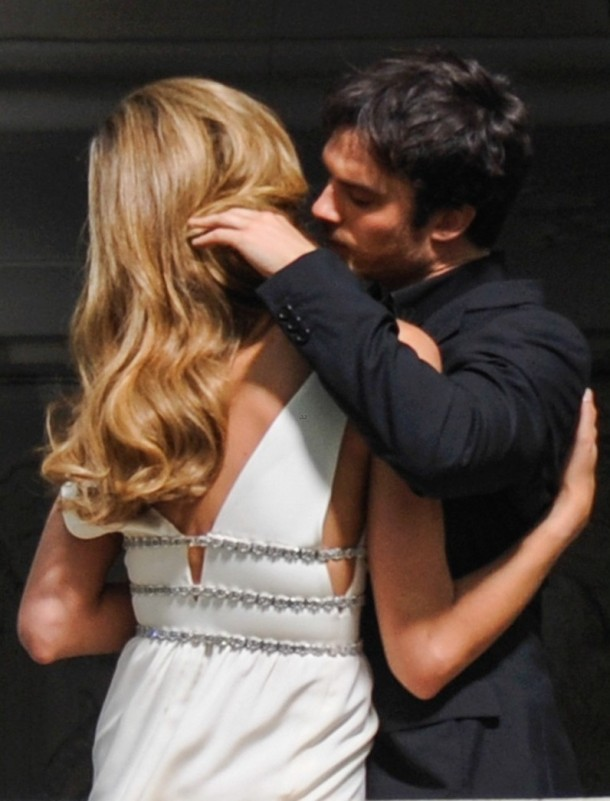 ian-somerhalder-gets-steamy-with-brazilian-model-03